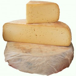 Toma di Gressoney, raw milk mountain cheese